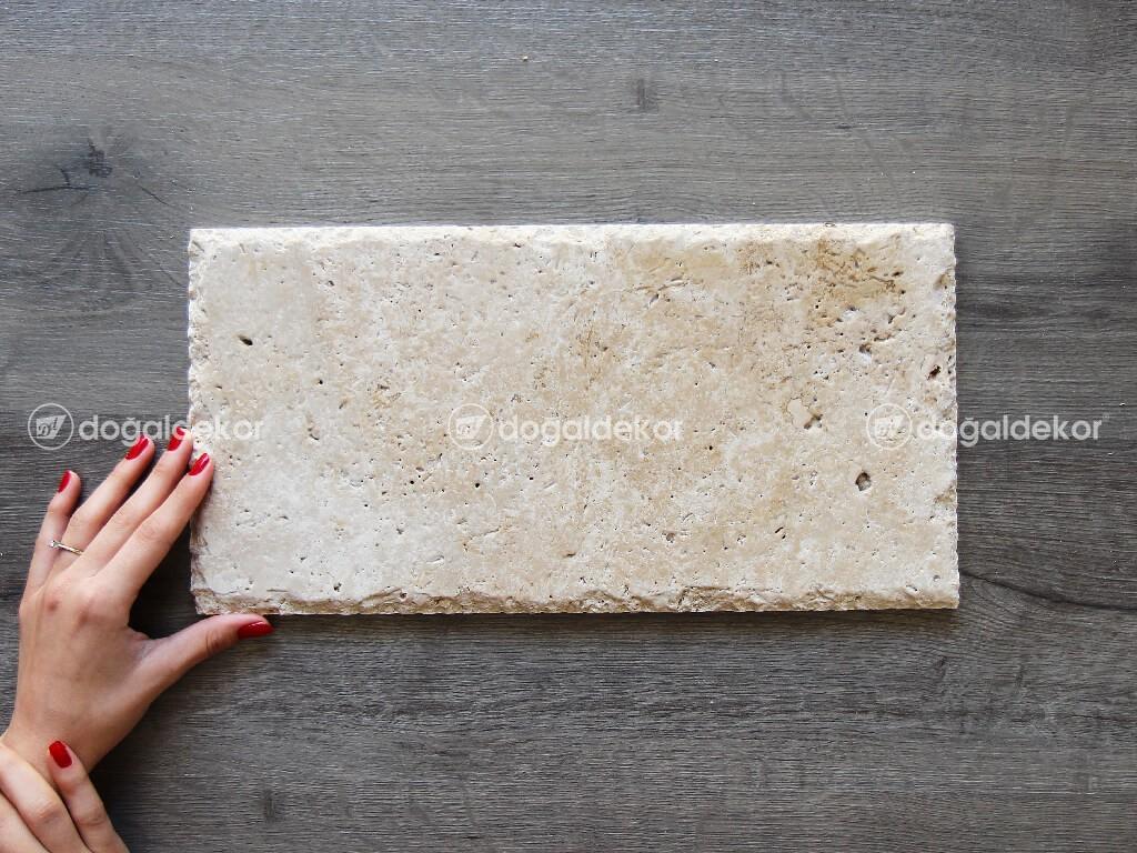 Traverten Taş Döşeme Denizli Patinato Kenar Kırma 1x20x40cm